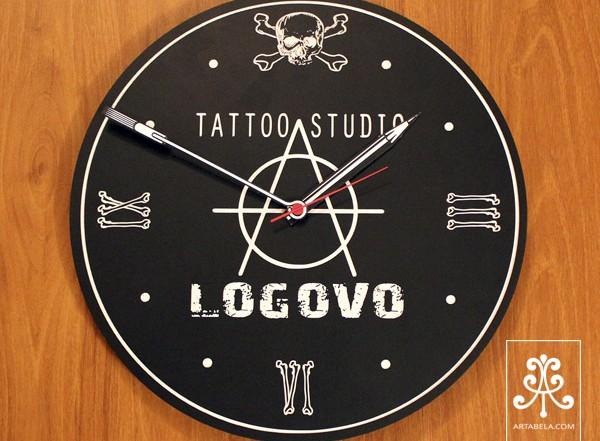 заказные настенные часы с логотипом