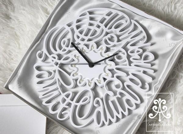 часы с именами семьи